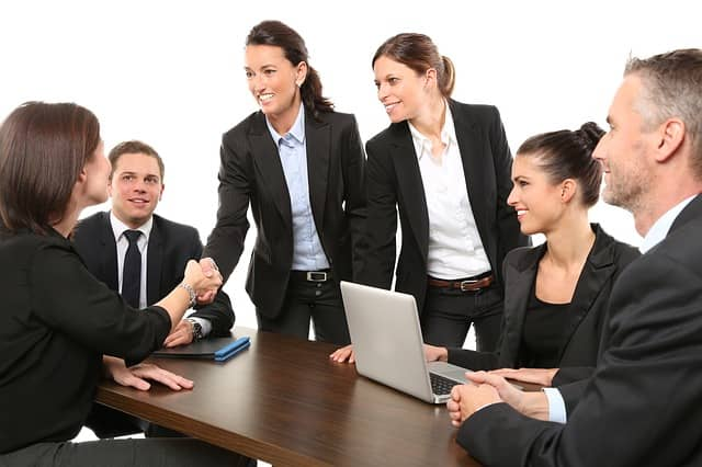 Jak si říct o navýšení platu v práci? Komunikace a úspěchy vám pomohou