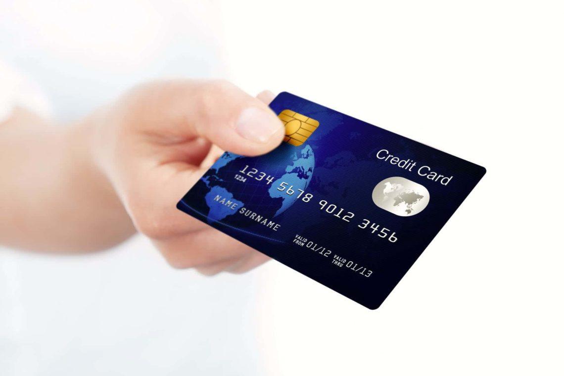Platba pomocí platební karty v internetových obchodech je oblíbeným způsobem úhrady